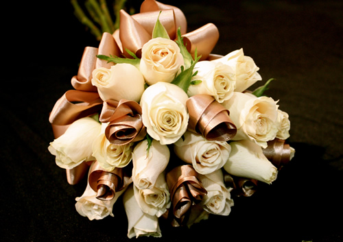 Latte ribbon roses
